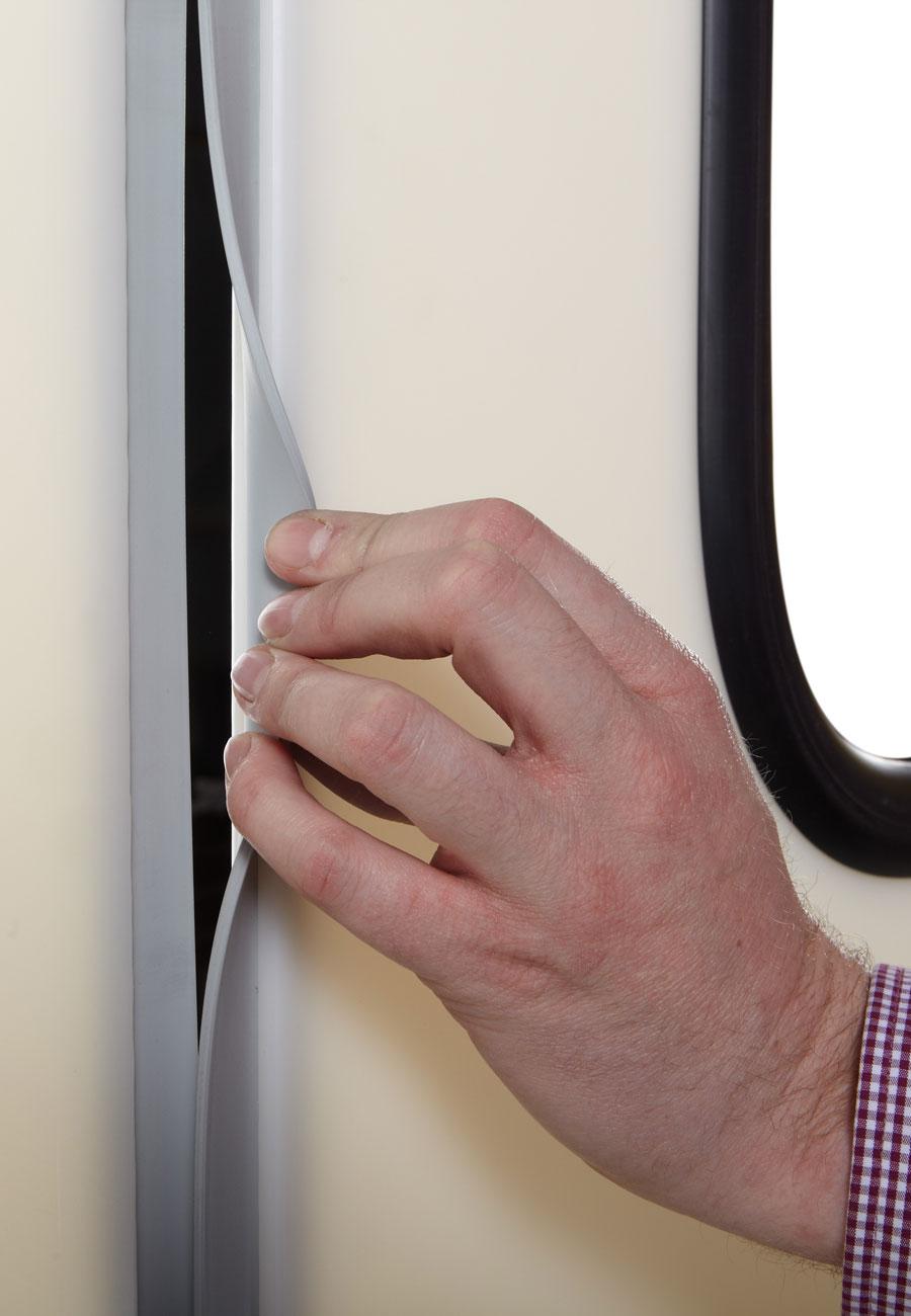 Pendeltür Fingerklemmschutz